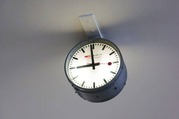 Swiss-railway-clock-at-design-museum-london