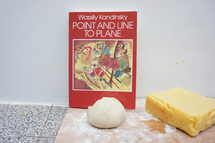wassily-kandinskys-point-and-line-to-plate-