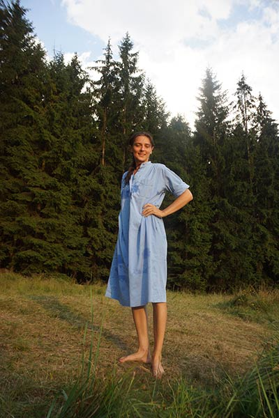 Blue-dress-Michaela-Tomiskova